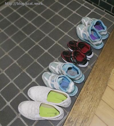 玄関の妹一家の靴