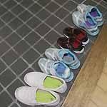 玄関の妹一家の靴 サムネイル
